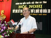 Presidente de parlamento dialoga con votantes en provincia central