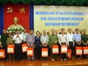 Honran a personas con méritos revolucionarios en Ha Nam