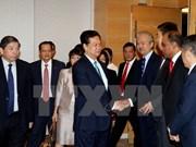 Primer ministro vietnamita dialoga con empresarios singapurenses