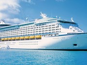 Arriba crucero Voyager of the Seas a puerto Chan May