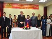 Embajada vietnamita y FTP Eslovaquia firman memorando de cooperación
