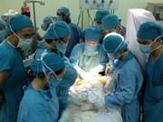 Primer caso de corazón extratorácico operado con éxito en Vietnam