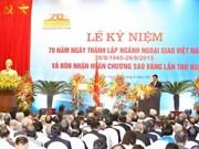 Saludan líderes laosianos fiesta nacional de Vietnam