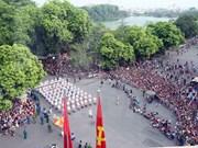 Marcha por calles capitalinas en ocasión del Día Nacional
