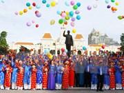 Contraen matrimonio 100 parejas en Ciudad Ho Chi Minh