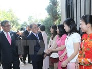 Presidente parlamentario conversa con diplomáticos en Washington