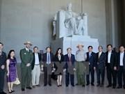 Actividades de Nguyen Sinh Hung en EE.UU.