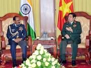 Vietnam y la India promueven cooperación en defensa