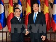 Vietnam y Laos determinados a aumentar cooperación comercial