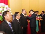 Honrados oficiales laosianos por impulsar lazos de seguridad pública