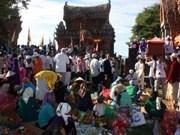 Aluvión de visitantes al Festival Kate de etnia Cham en Binh Thuan