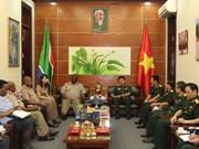 Vietnam y Sudáfrica intercambian experiencias en logística