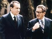 Nixon admitió que bombardeos contra Vietnam son inútiles