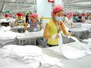 Exportadores enfrentan fuerte competencia de rivales forános