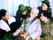 Publican historias conmovedoras sobre Presidente Ho Chi Minh