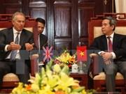 Gobernador del Banco recibe a expremier británico