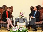 Premier vietnamita recibe a gobernadora del estado de Oregon