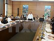 Diputados vietnamitas evalúan situación socioeconómica de 2015