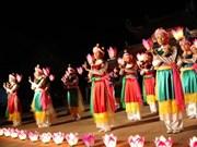 Artistas de Hanoi con esfuerzos para conservar danzas antiguas