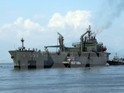 Buque de la armada australiana visita Vietnam