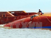 Recuperan dos supuestos restos de víctimas de barcos accidentado