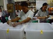 Celebran históricas elecciones en Myanmar