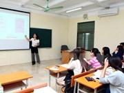 Nueva Zelanda intercambia experiencias sobre renovación educacional con Vietnam
