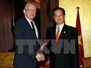 Vietnam y Francia se esfuerzan por impulsar asociación estratégica