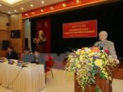 Líder partidista mantiene contacto con electorado de Hanoi