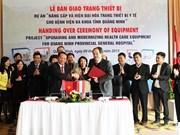 Empresa austríaca transfiere equipos médicos a la provincia de Quang Ninh