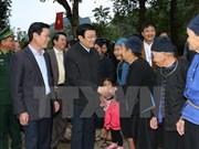Presidente visita aldea de cultura-turismo en Ha Giang