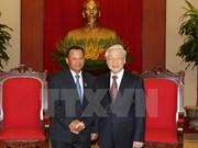 Dirigentes vietnamitas reciben al presidente del Senado cambodiano