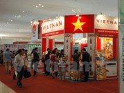 Empresas vietnamitas buscan oportunidades comerciales en feria en Cambodia
