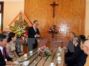 Frente de la Patria felicita a comunidad religiosa por Navidad en Dak Lak