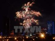 Ciudad Ho Chi Minh festeja año nuevo lunar con fuegos artificiales