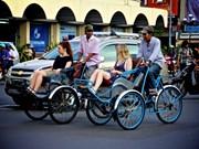 Visitantes exploran Hanoi en triciclos