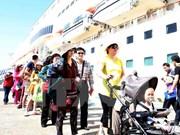 Gran afluencia de turistas a ciudad de Da Nang durante el Tet