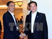 Premier vietnamita conversa con presidente indonesio en Estados Unidos