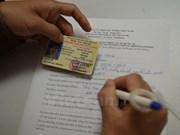Emiten permisos de conducir internacionales en Ciudad Ho Chi Minh y Hanoi