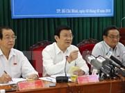 Presidente vietnamita dialoga con comunidad empresarial
