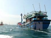 Vietnam trabaja con China para rescatar a pescadores náufragos