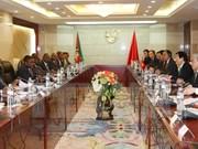 Presidente vietnamita conversa con su homólogo mozambiqueño