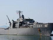 Buque de la Armada singapurense visita Vietnam