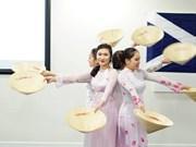 Dejan gran impresión estudiantes vietnamitas a amigos extranjeros en Escocia