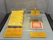 En desarrollo exposición de libros dorados de la última dinastía vietnamita