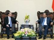 Premier vietnamita recibe a empresario hongkonés