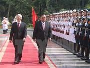 Amistad tradicional y cooperación integral: tesoro invaluable de Vietnam y Laos