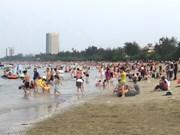 Inaugura fiesta de polo de turismo costero en Nghe An