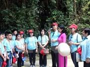 Vietnamitas en Tailandia visitan sitios históricos y culturales en Ninh Binh