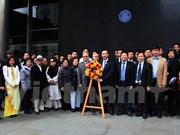 Vietnamitas en Reino Unido celebran aniversario de natalicio de Ho Chi Minh